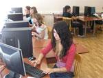 Преимущества использования мультимедийных средств при обучении казахскому языку | фото с сайта vupk.ru