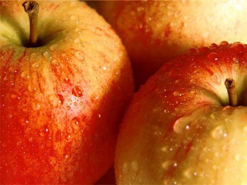Чем удивить гостей? Пылающими яблоками! | Фото с сайта desktop.kazansoft.ru
