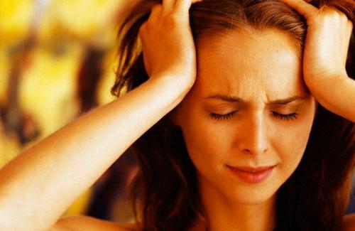Головная боль напряжения   Фото с сайта oneoflady.blogspot.com