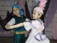 Казахский детский танец «Балдырган»