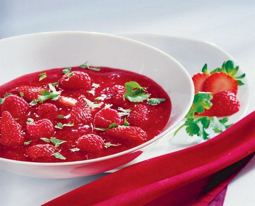 Как приготовить клубничный суп   фото с сайта surveillant.biz
