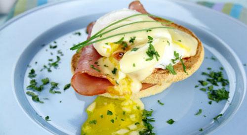 Завтрак аристократа за 5 минут: яйца Бенедикт