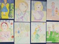 Выставка рисунков по различным темам в Первом городском общеобразовательном лицее г.Петропавловска