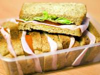 Ученые выяснили, чем опасен бутерброд с ветчиной и сыром