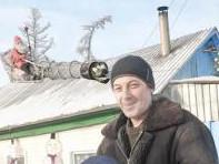 Пригрели змею на крыше