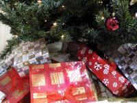 В Таразе дети получили рождественские подарки от посольства России | Фото с сайта zlataleta.com
