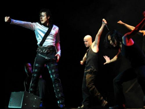 В Москве стартует новое шоу Цирка Дю Солей «Майкл Джексон. Бессмертный тур»