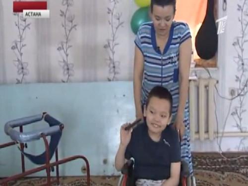 Бизнесмен решил помочь больному ребенку встать на ноги