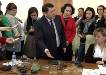 В Казахстане планируют запретить курение кальяна в общественных местах