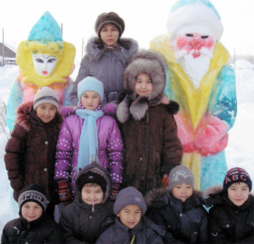 Намазбаева Раушан Жунуспековна с учениками