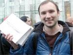 Первый iPad 2 купил москвич