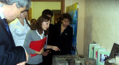 Участники областного фестиваля проводят экскурсию